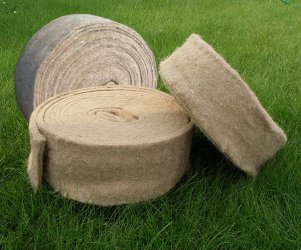 Льняной утеплитель цена. Утеплитель льняной для уплотнения швов деревянного дома.